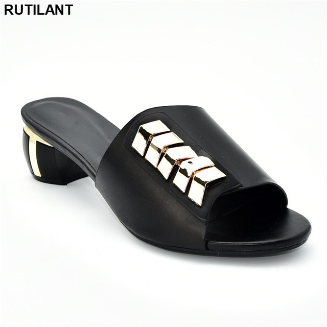 New Arrival Designer Shoes Women Luxury 2019 Nigerian Women Wedding Shoes Decorated with Rhinestone Ladies Sandals with Heels