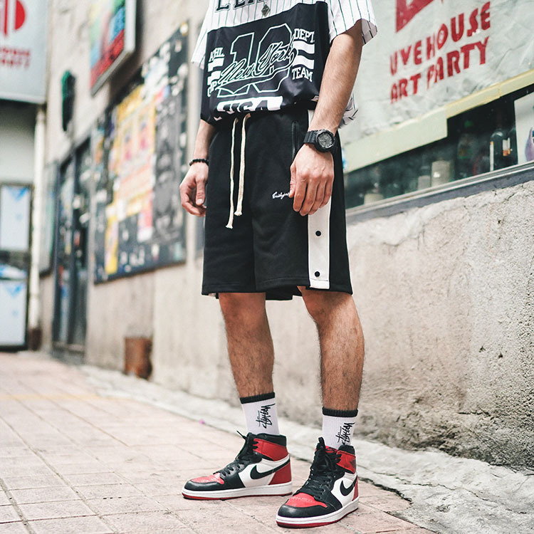 Spring And Summer New Tide Brand Side Striped Button Men's Elastic Waist Rope Casual Sports Shorts Male
