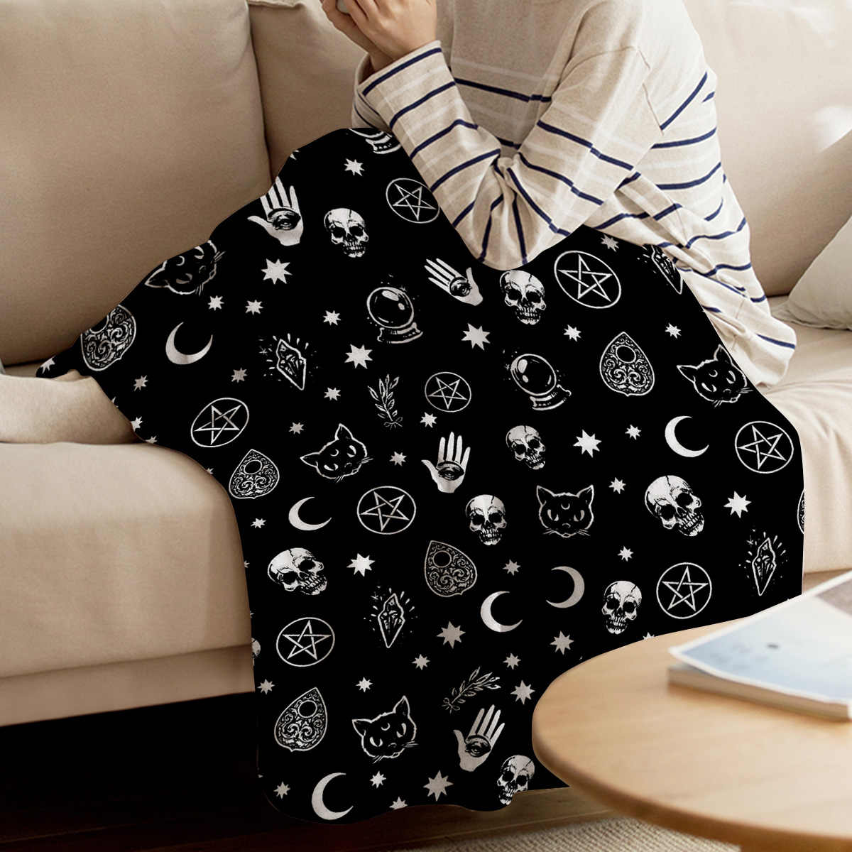 BIGHOUSES Throw Blanket Black Skull Head And Cat Throw Blanket Soft Warm Microfiber Blanket Flannel Blanket