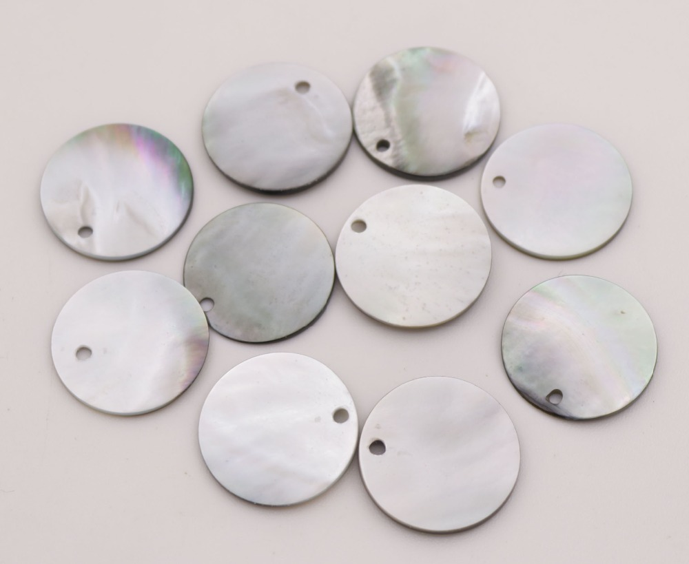 Купить с кэшбэком 10 PCS 20mm lip Shell Natural Luster Black Round Mother of Pearl Jewelry Making DIY