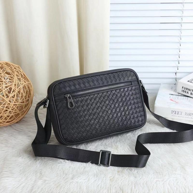 Kaisiludi leer mannen en vrouwen universele tas breien single schoudertas casual mode mannen schuin over business kleine tas-in Crossbodytassen van Bagage & Tassen op  Groep 1