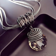2017 New Fashion Women Pendant Necklaces The Big Drop Long Paragraph Sweater Chain All-match Decorative Crystal Necklace Pendant