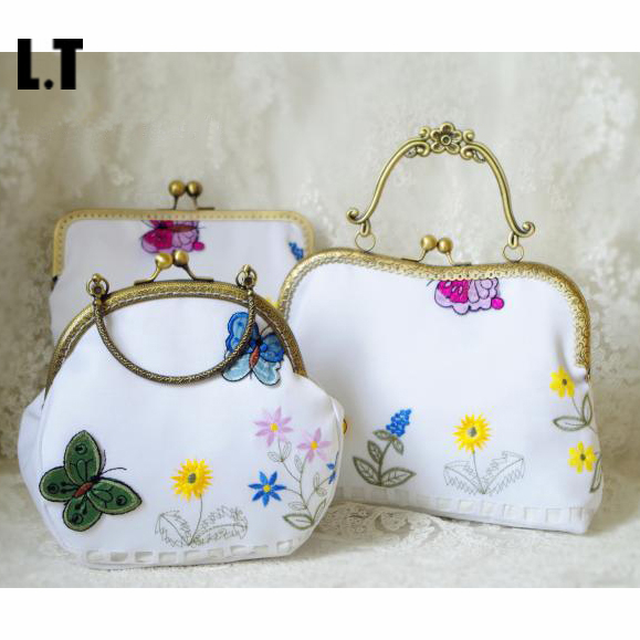 2017 Women Handmade Floral Embroidery Handbag White Cotton Antique Frame Retro Vintage Rustic Old Handle Crossbody Cellphone Bag