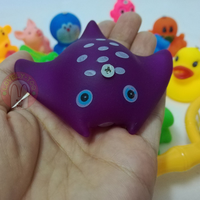 Lovely Too 28pcs Magnetic Fishing Game toy Squeeze Sounding Baby Bath Toys Soft Rubber Kids Children Educational Swimming set