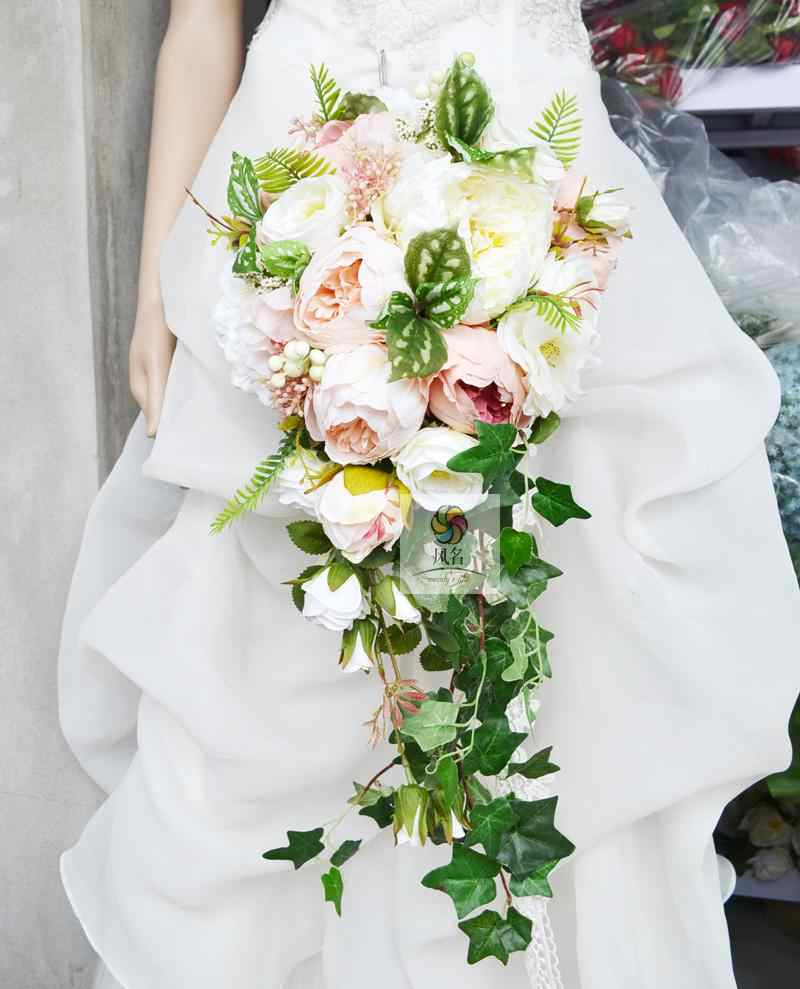 706eb4f4055a4 Waterfall Style Wedding Flower Bridal Bouquet Artificial Flowers Handmade  Wedding Supplies Floral Bride Hand Holding Bouquets