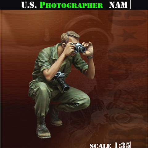 <font><b>1</b></font>/<font><b>35</b></font> <font><b>Resin</b></font> Soldier <font><b>Vietnam</b></font> <font><b>War</b></font> Battlefield Reporter Photographer GK White Model Hand Military Scene 46 image