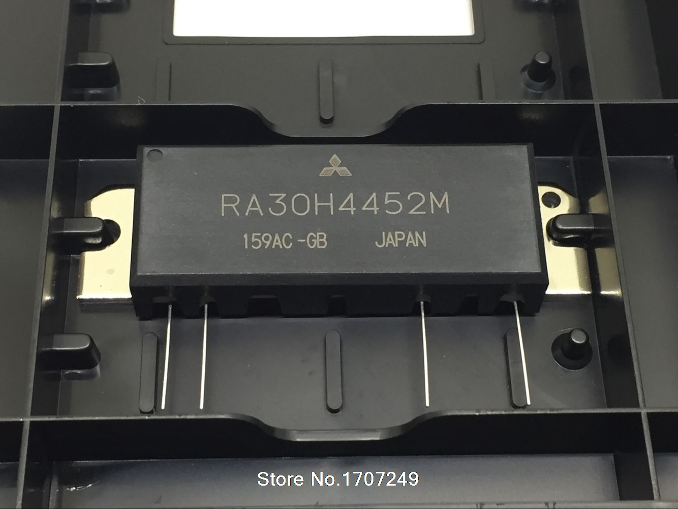 New original 15 years RA30H4452M Power amplifier module 440-520MHz 30W 12.5V ( If you need more quantity, please contact us )
