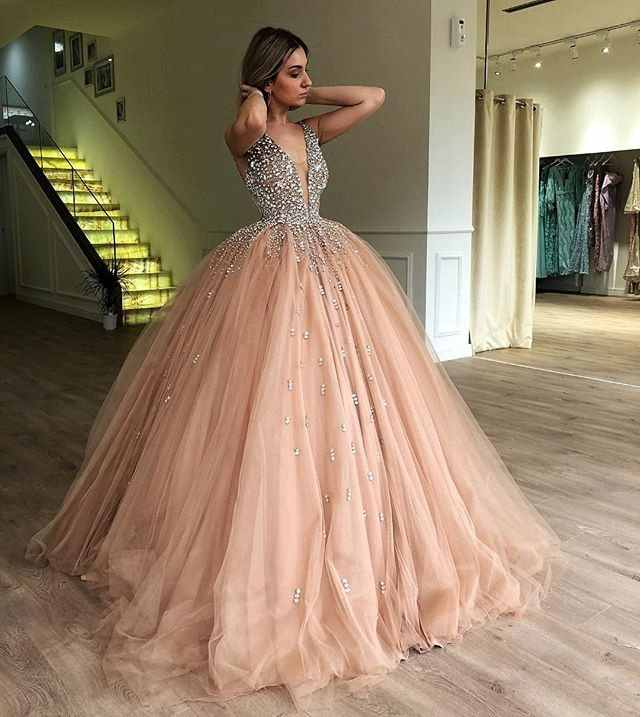 Puffy Ball Gown V,neck Luxury Heavy Beading Top Sweet 16 Sixteen Girls  Quinceanera Dresses 2019