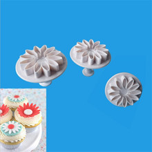 TTLIFE 3Pcs Daisy Flower Plastic Plunger Cookie Cutter Sunflower Sugarcraft Fondant Cake Decorating Tools Pastry Baking Moulds 3 in 1 cake veined sunflower gerbera daisy plunger cutter