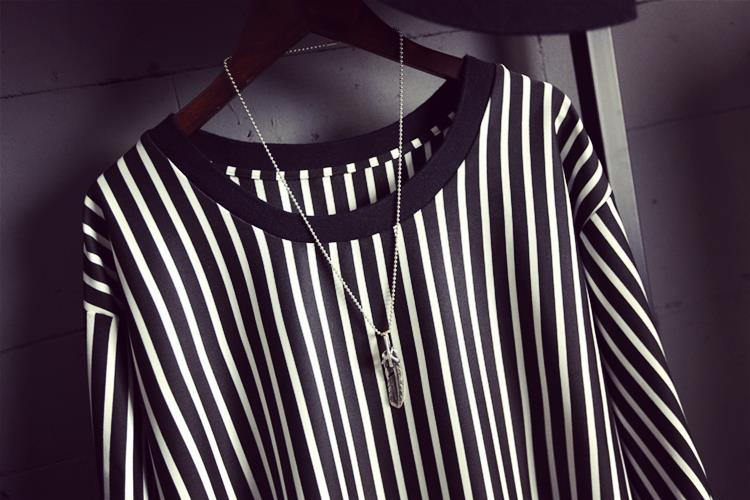 4a2462699d82 2015 Summer Women Crew Neck Short Sleeve Black And White Vertical Striped T  Shirt Dress Ladies Simple Casual Dress