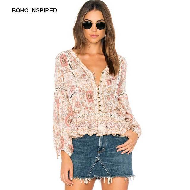 6831dc71459c € 39.6  BOHO Blusa de manga larga estampado floral con cuello en V botones  frente cordón borla correa de las mujeres camisa chic tops 2018 en ...
