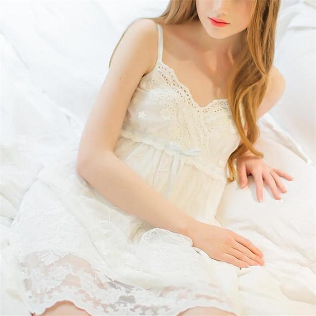 Verão Elegante Sexy Salão Sono pijama de Algodão Sleepwear Fêmea Home Vestido de Renda Branca Princesa Do Vintage Camisola Mulheres Dormindo Vestido