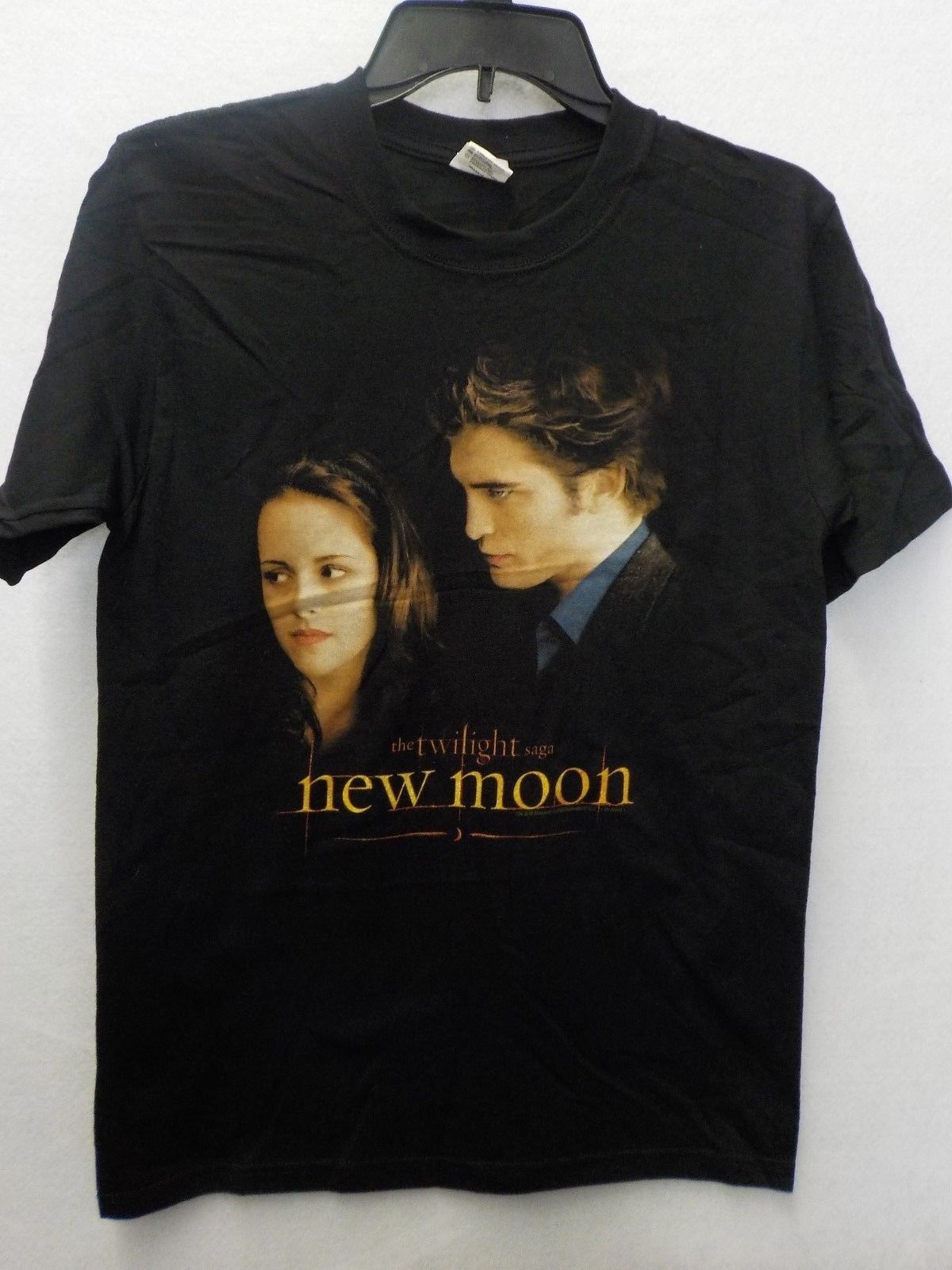 MENS TWILIGHT SAGA NEW MOON BELLA EDWARD BLACK GRAPHIC TSHIRT NEW #13122V Mens T Shirts Fashion 2018 Clothing