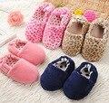 Niños Niñas Zapatos Para Niños Zapatillas Niños Casa Dormitorio Interior bebé de Piel de Invierno Caliente de Algodón casa de pisos Niño Inferior Suave 2016