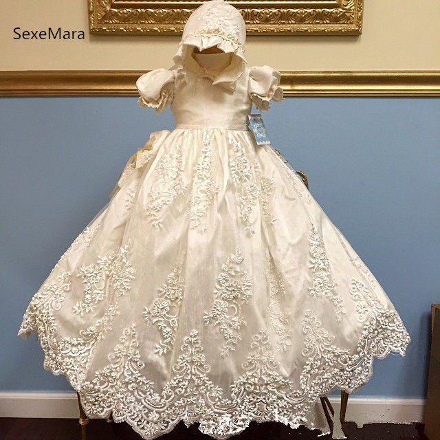 84b2aaa6ced48 New Infant Girls Christening Dress Baptism Gown Lace Applique White Ivory  Baby Christening Gown 3M 6M 9M 12M 24M With Bonnet