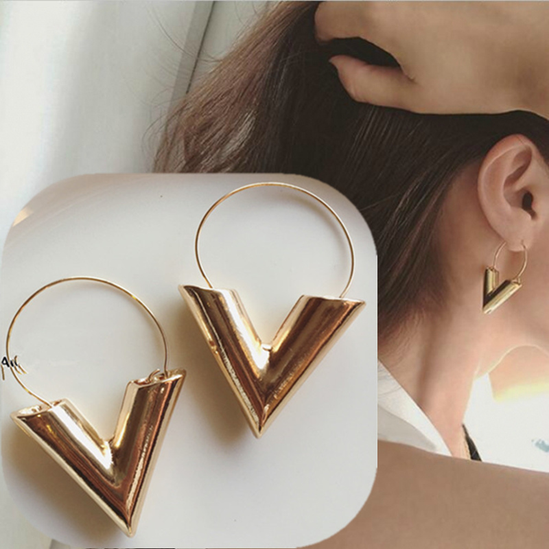 2019 New Hottest Women's Fashion Earrings Brincos Oorbellen Bijoux Simple Metal Texture Letter V Drop Earrings For Women Jewelry