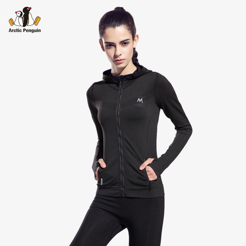 Get high quality women's clothing such as tank tops, capris, and pants. Feel comfortable and stylish at the gym!