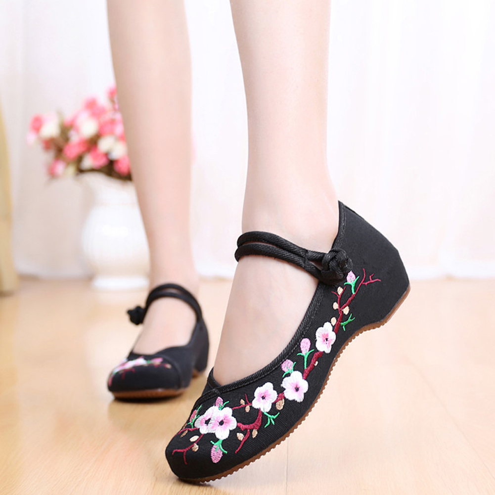 Chinese Shoes Women Embroidery Flats Traditional Embroidered Old Peking Flower Canvas Casual Shoes