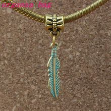 100Pcs/lots Feather Alloy Charms with Lobster clasp Fit Charm Bracelet DIY Jewelry Verdigris Patina Plated 5.5x38.5mm A-378b