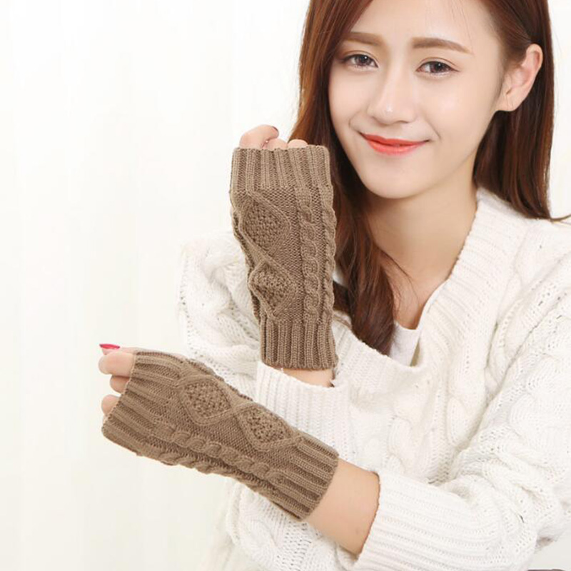 Short Section 20cm Female Winter Warm Knit Fingerless Arm Sleeves Women Imitation Wool Knit Rhombic Cuffs Half Finger Gloves A6