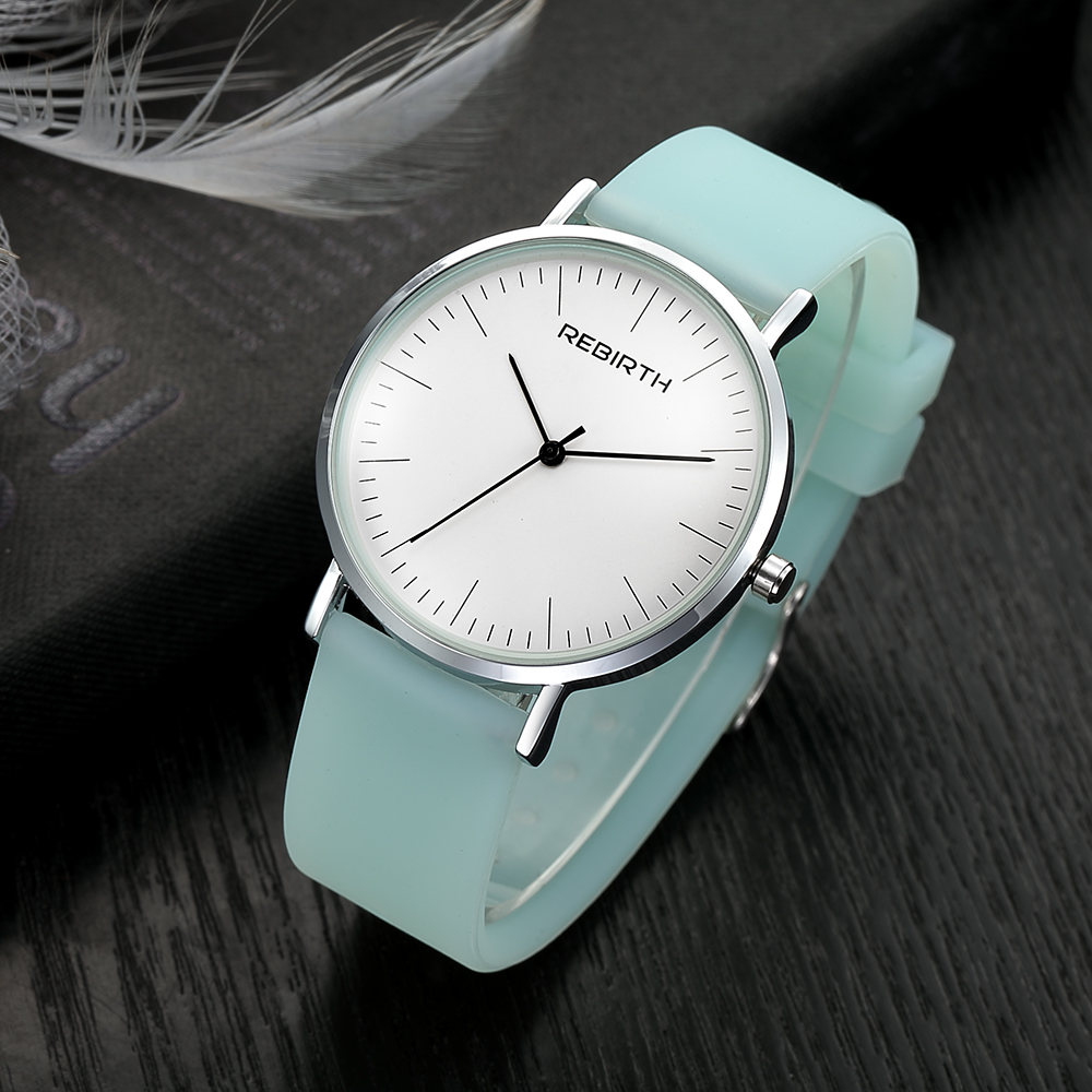 Mode Casual Kvinnor Klockor Klockor Topp Märke Silicone Strap Ladies Quartz Armbandsur Luxury Female Clock
