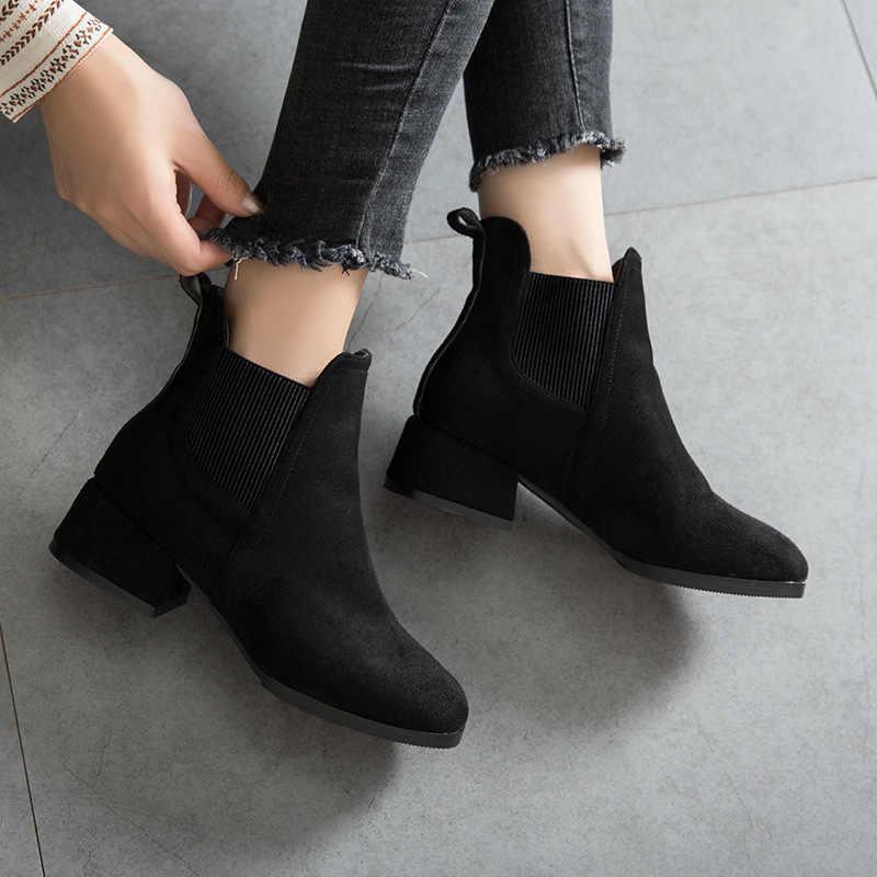 Kadın sonbahar kış akın yarım çizmeler Slip-on yuvarlak ayak 4cm kare topuk düz rahat siyah/deve patik boyutu 35-41