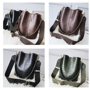 Image 3 - Ansloth Crocodile Crossbody Bag For Women Shoulder Bag Brand Designer Women Bags Luxury PU Leather Bag Bucket Bag Handbag HPS405