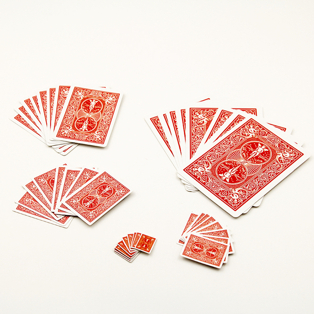 1pcs Funny Shrinking Cards Magic Tricks Prop & Training Set for Party Stage Performance /magic card show/magic props 81010