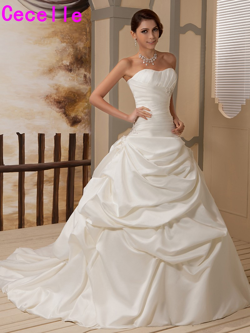 Christmas wedding dress korean - 2017 Real Photos Ivory Ball Gown Winter Satin Wedding Dresses Bridal Gowns Vintage Pleated Tranditional Country