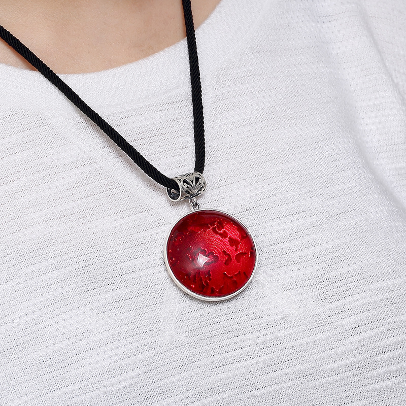 2018 Direct Selling Silver, S990, Peony, Ancient Mosaic Jade, Pomegranate, Lady, High-grade Sweater Chain, Pendant Wholesale. 2108 new silver s990 silver dollar topaz korean edition hollowed out silver sterling sweater chain lady s pendant wholesale
