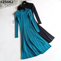 Платье в бирюзово-синем оттенке