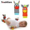 Juguete del bebé sozzy sonajeros toys animal calcetines correa de muñeca con sonajero pie calcetines correa de muñeca del insecto