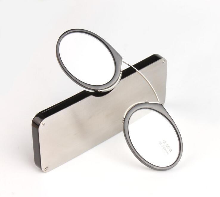 0d06a96db4d8d Clipe nasal óculos para presbiopia Óculos De Leitura Carteira com Caso  portátil mini Tamanho Do Cartão de Crédito de Emergência de Vidro óculos  para ...