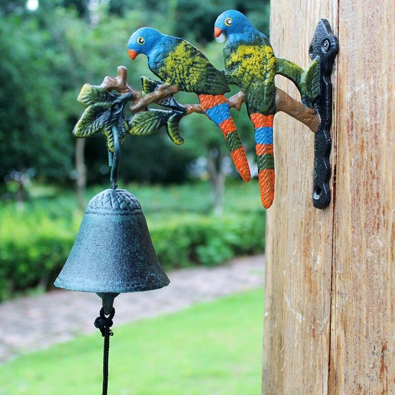 Europejski styl Vintage kraj ręcznie malowane kolor para papuga ptaki oddział projekt żeliwa dekor drzwiowy dzwonek zawieszany w Dzwonki i dekoracje wiszące od Dom i ogród na  Grupa 1