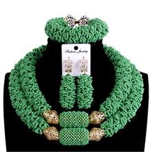 Godki zestawy biżuterii ślubnej afrykańskie naszyjniki z koralików dla kobiet zielony i złoty zestaw biżuterii ślubnej dla kobiet na imprezę bezpłatną wysyłkę tanie tanio URORU Miedzi Kobiety Moda TRENDY Kryształ Ślub African Jewelry Set Okrągły Naszyjnik kolczyki bransoletka Necklace Earrings Bracelet