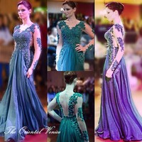 Saudi Arabia Emerald Green Lace Appliques Evening Dress Sexy V Neck Long Sleeve Dubai Formal Prom