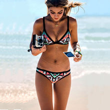 154ac405e Bikini 2018 New Retro Bikini Set Simple Model Brazilian Sexy Printing Swimsuit  Halter Padded