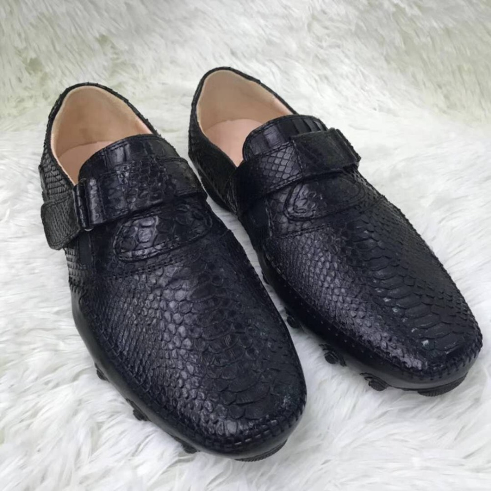 100% Véritable peau de python véritable hommes chaussures haut de gamme qualité serpent peau noir couleur loisirs hommes chaussures en vache doublure main craft point