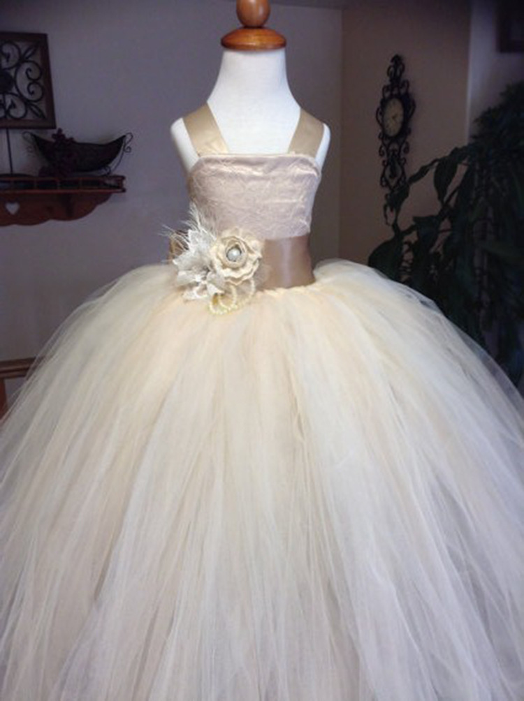 Romantic Beige Puffy Lace Flower Girl Dress for Weddings Organza Ball Gown Party Communion Dress Pageant Gown for GirlsRomantic Beige Puffy Lace Flower Girl Dress for Weddings Organza Ball Gown Party Communion Dress Pageant Gown for Girls