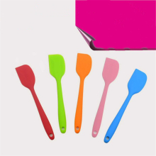 1 pcs Candy Color Food Grade Silicone Cake Spatula  Cutter/Butter Cream Smoother Pastry Cake Baking Scraper Kitchen Bakery Tools