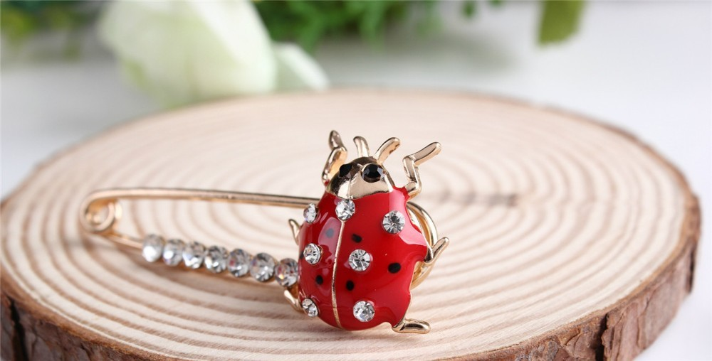 red-and-black-spotted-ladybug-brooch-with-black-and-white-rhinestones-15