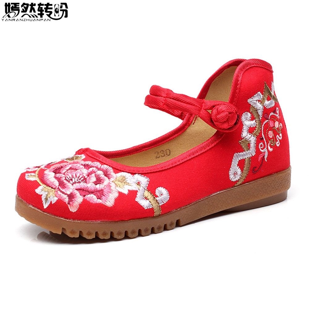 Chinese Women Flats Shoes Floral Embroidery Soft Comfortable Canvas Mary Janes Dance Ballet Shoes Woman Plus Size 43 vintage women flats old beijing mary jane casual flower embroidered cloth soft canvas dance ballet shoes woman zapatos de mujer