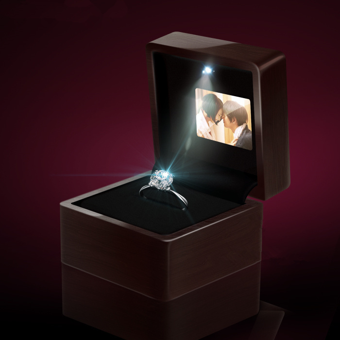 High Quanlity Video And Light Wooden LED Screen Ring Box Jewelry Box