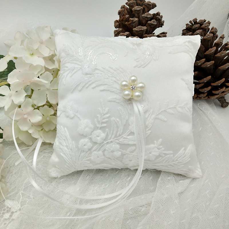 White Lace Faux Pearl Wedding Ring Pillow Decorative Marriage Bearer Cushion Flower Girl Basket For Ceremony 20x20cm