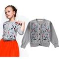 Chicas europeas de la rebeca del otoño bordado pájaro Girl Cardigan 2015 niñas diseñador de la marca de lana chaqueta de manga larga para las niñas abrigo