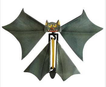 iWish 145mm Halloween Magic Bat Flying Hand Fly Butterfly Magical Props Surprise Prank Joke Hallowmas Kids All Saints Day Toys