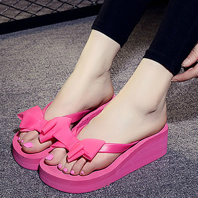все цены на New Summer Flip Flops Women Fashion Sandals Shoes Women's Beach Slippers Bow Mid Wedge Heel Flip Flops Lady Slippers Black онлайн