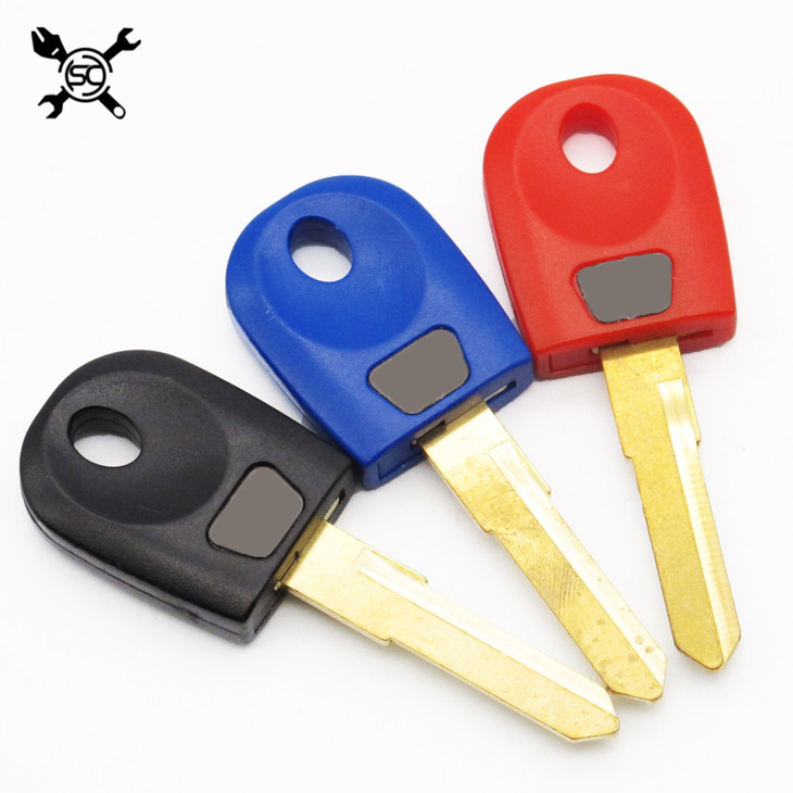 2 Pcs 2 Color Blank Key Uncut Blade Keys Fits For Ducati 748 749 848 999 1098 1198 Monsters 600 620 696 900
