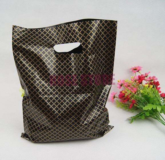100pcs/lot 25x35cm Black Plaid Large Plastic Shopping Bags Thick Boutique Gift Clothing Packaging Plastic Gift Bag With Handle