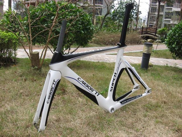 NEW ARRIVAL !! Free Shipping !! New Design Aero Carbon Triathlon Frame White/Black